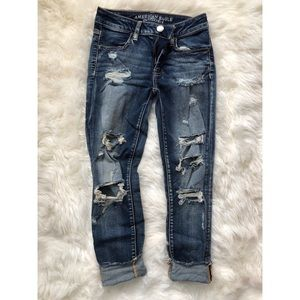 American Eagle distressed cropped jegging